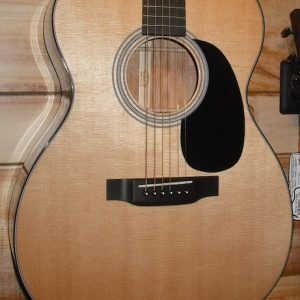 Martin 000-18 Acoustic Guitar w/Case